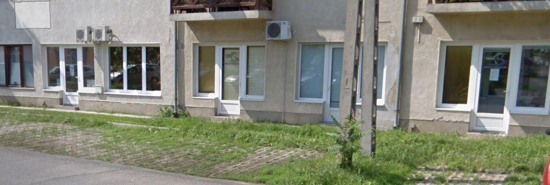 Szabolcsi Halászati Kft. iroda bejárata